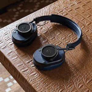 New in box Master&Dynamic MH40 Headphones